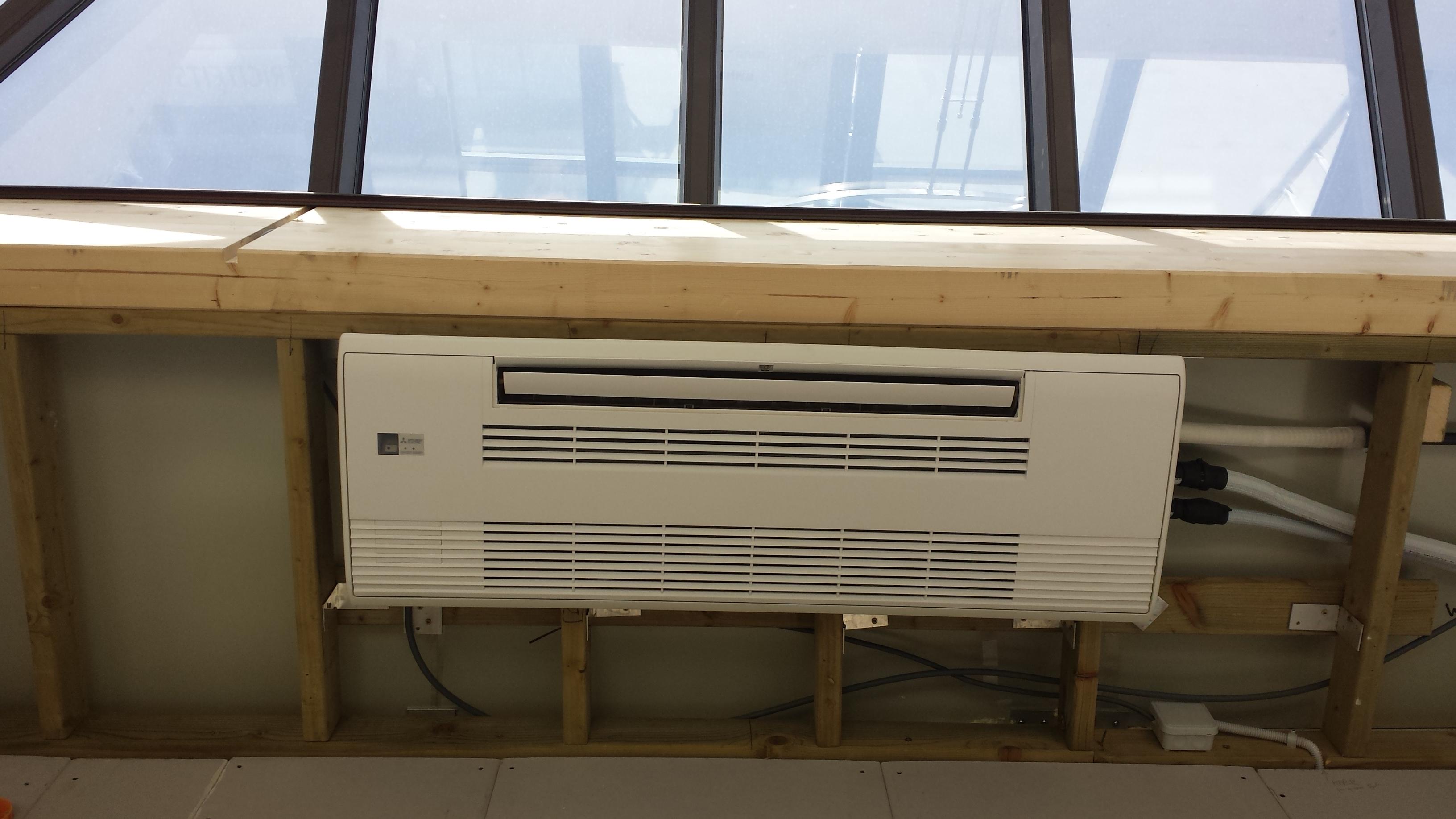 Airco Slaapkamer Inbouwen : Airco slaapkamer inbouw schuifdeurkast in hoek onder schuindak
